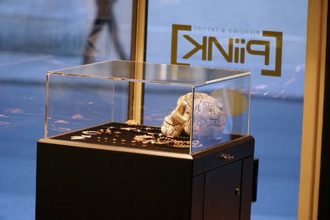 Schaufenster Tattoostudio PiiNK Basel