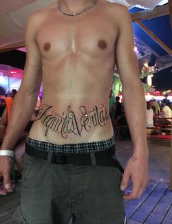 piink-tattoo-piercing-ryan-tattoostudio-basel