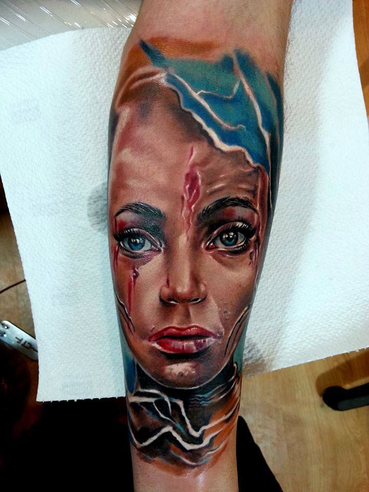 piink-tattoo-piercing-niuniek-tattoostudio-basel-face