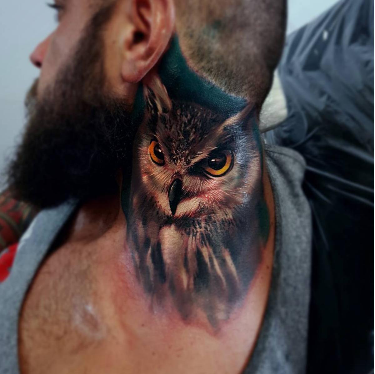 piink-tattoo-piercing-niuniek-tattoostudio-basel-eule-realistic