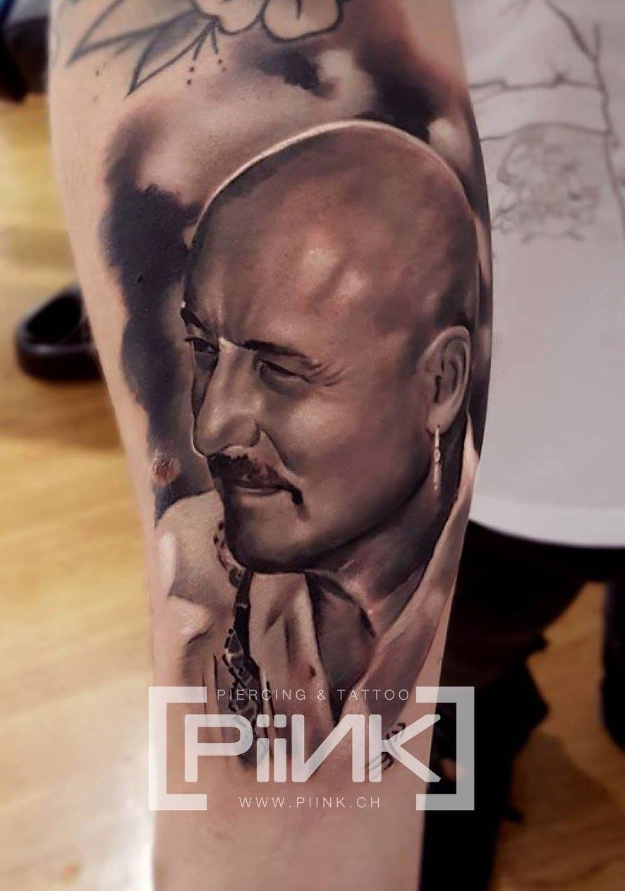 piink-tattoo-piercing-niuniek-tattoostudio-basel-portrait-relistic