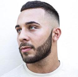comment-bien-tailler-sa-barbe-au-rasoir-