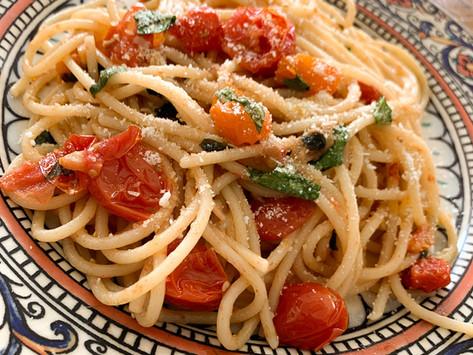 Spaghetti with Cherry Tomatoes (and optional crispy kalamata olives)
