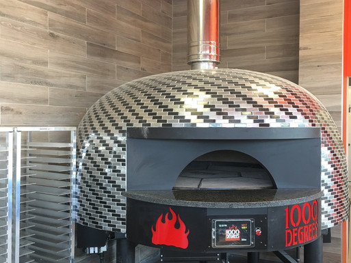 1000 DEGREES PIZZA GRAND OPENING…BOOK SHOP ON MAIN STREET