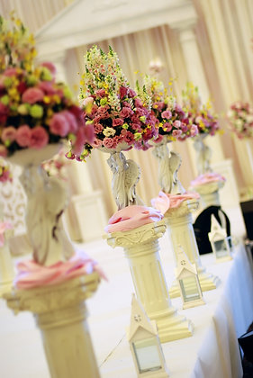 T126-Tall luxury flower centrepieces