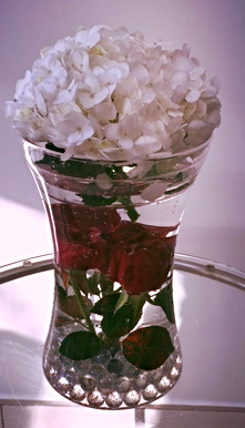 RES3- Roses  in water with hydrangea