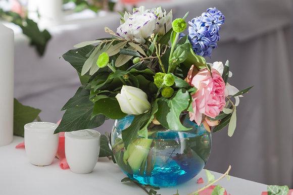 SH10 Flower arrangment in fish bowl vase