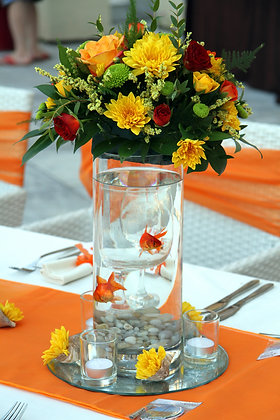 T117-Tall centrepiece with goldfish