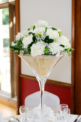 T118-Martini glass table centrepiece