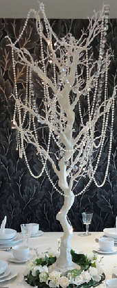 M3-Tall tree with crystals