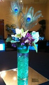 OFC1 Flower centrepiece with peacock feathers