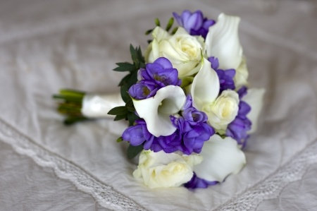 W13  Small wedding bouquet flowers