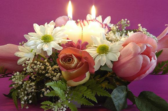 SH22Flower arrangement with candles