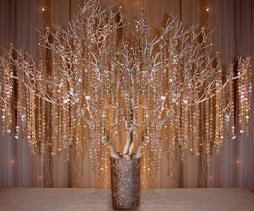 Large gold manzanita trees