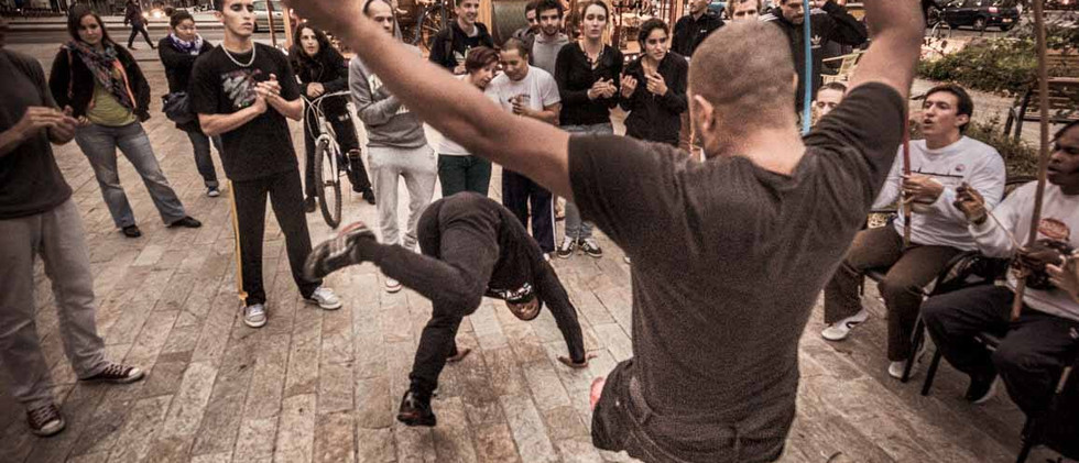 capoeira-lyon-senzala-mestre chão 11.