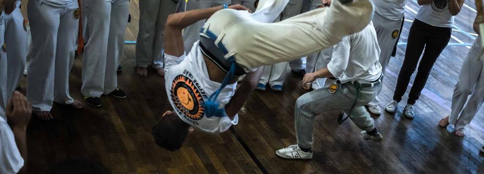 capoeira-lyon-senzala-mestre chão 03