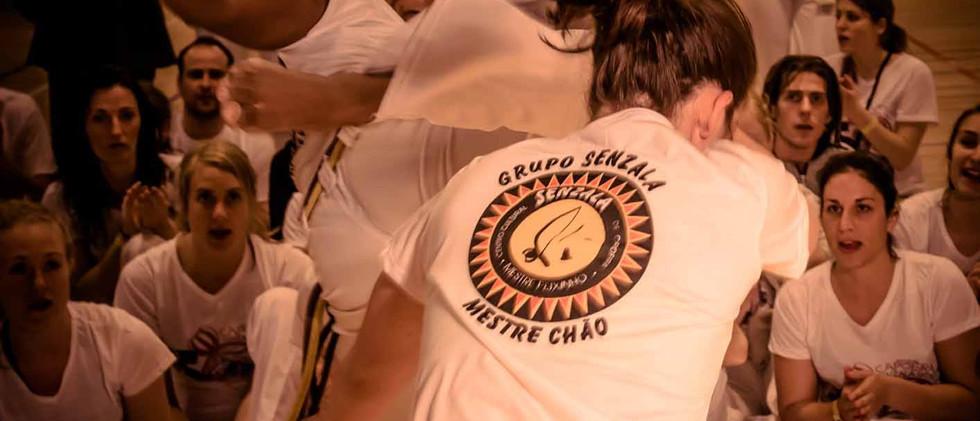 capoeira-lyon-senzala-mestre chão 08.j