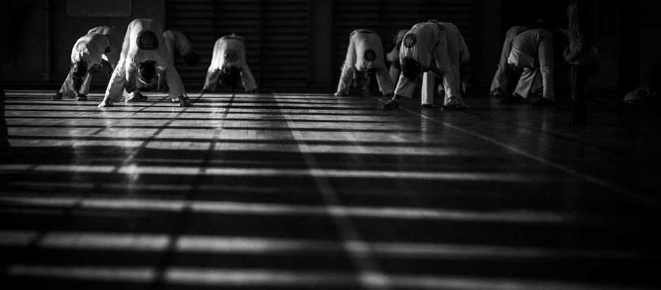 capoeira-lyon-senzala-mestre chão 04