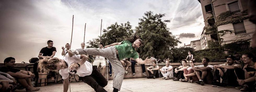 capoeira-lyon-senzala-mestre chão 01
