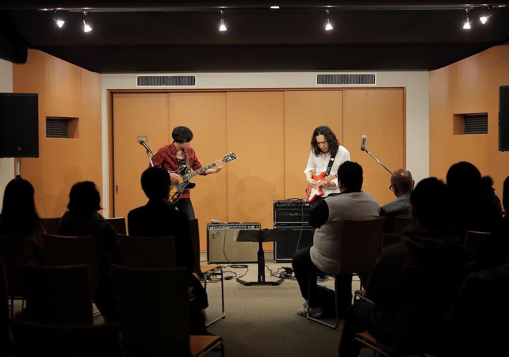 美鈴楽器コンサートホールでのライブ風景