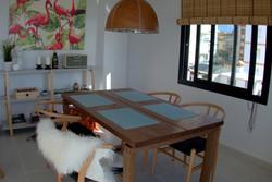 Matbord för fyra personer