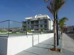 Panorama beach med pool 2