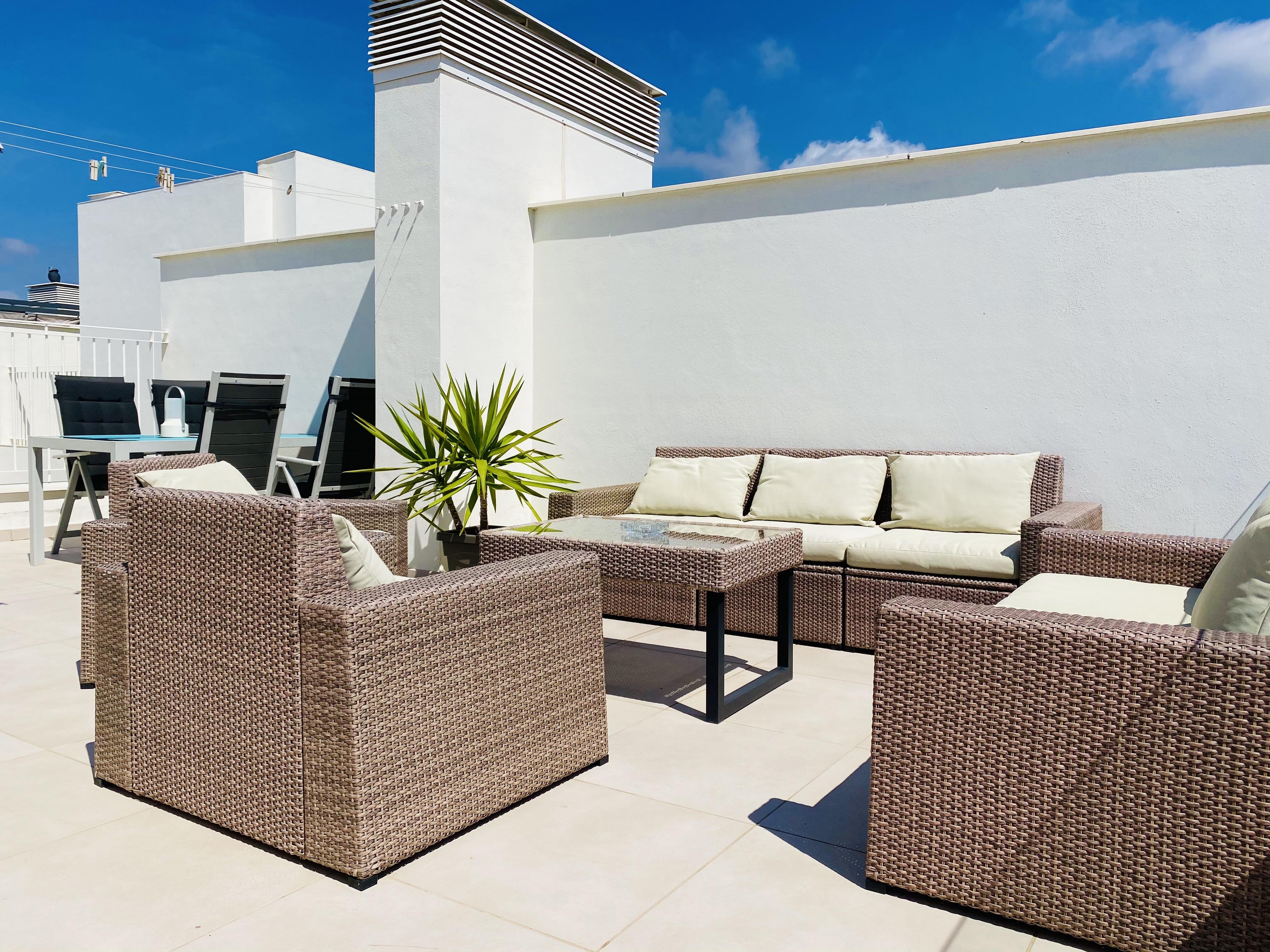 Terrass soffa och bord