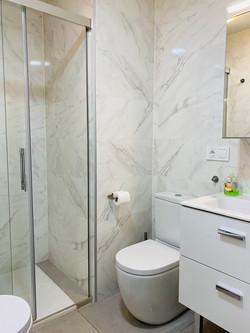 Stora badrummet dusch