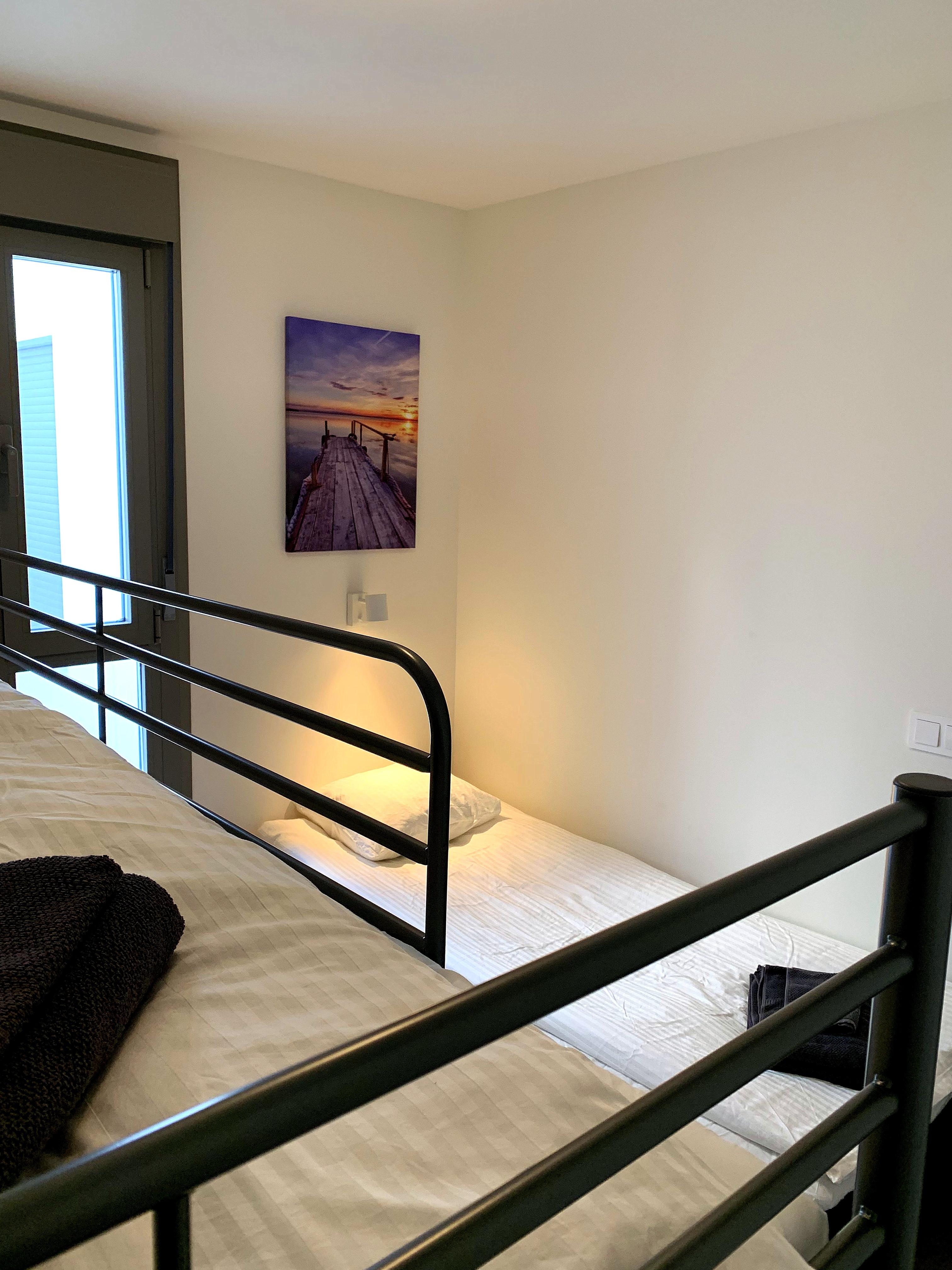 Våningssäng och enkelsäng