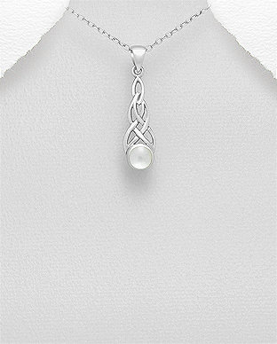 Sterling Silver Celtic Pendant Decorated With Shell