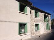 Gîte Maison Marinette à Arbas - Façade vue de la rue le matin