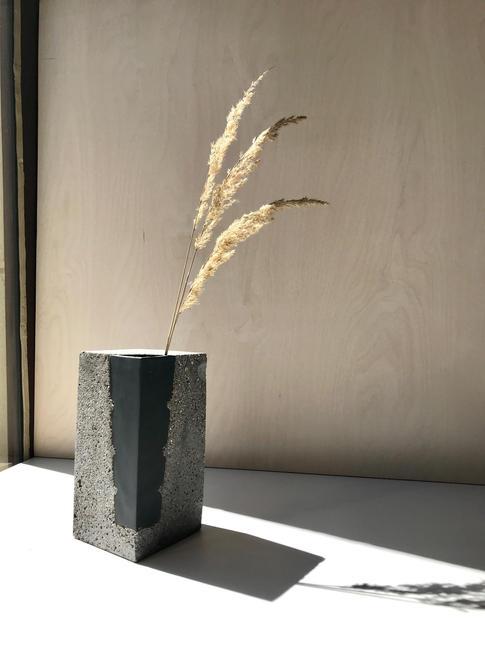 váza 1/4 S GEOM BLACK