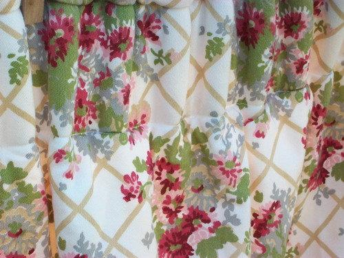 Floral Trellis Cottage Curtains close up