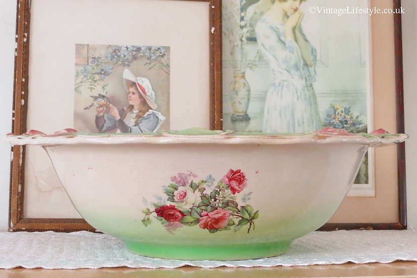 """Large """"Old Roses"""" Victorian Washbowl"""