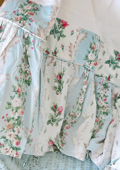 Wardle Rosebuds & Aqua Bed Valance Sheet