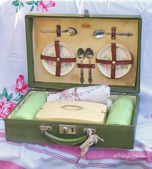 Sirram picnic case and original contents