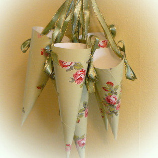 Apple green vintage style paper cones with ribbon hangers roses