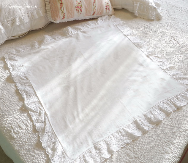 Broderie Anglais vintage cotton pillowcase