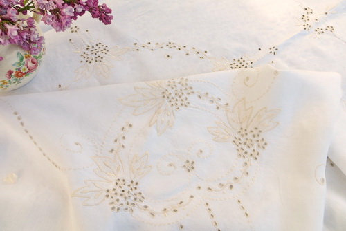 Linen Cutwork Embroidered Tablecloth