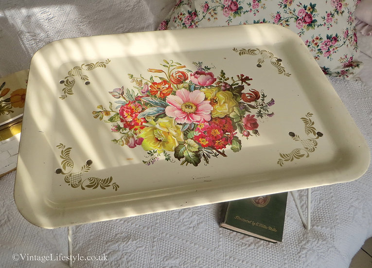 Worcester Ware Floral Standing Tray