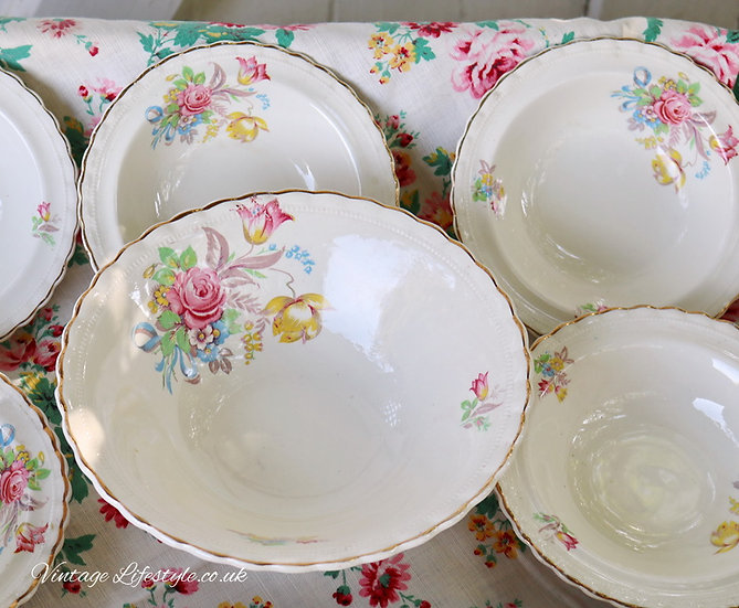 1930's Serving Bowls Set