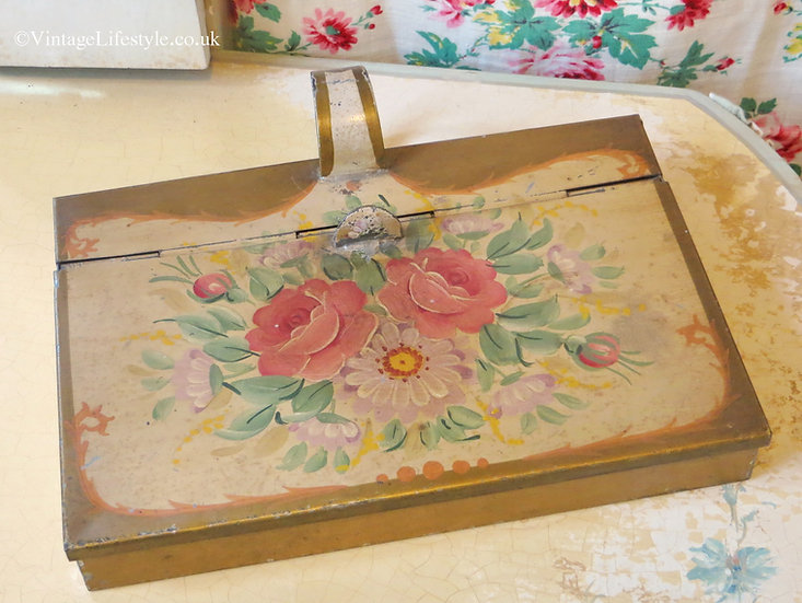 Pretty Painted Roses Crumb Tray Vintage