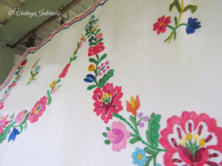 European Embroidered linen pelmet curtain floral