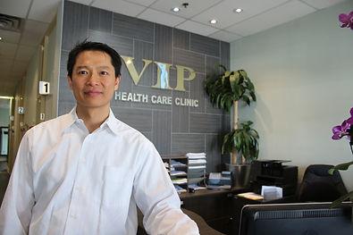 toronto-chiropractor-staff-viphealth.ca