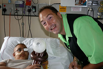 POD Hospital Shows with Magic Dave, Childrens Magician Beds