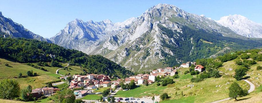 Cabañas en Sotres Asturias España