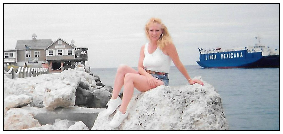 Aunt Lynne on the rocks, Nassau, 1992