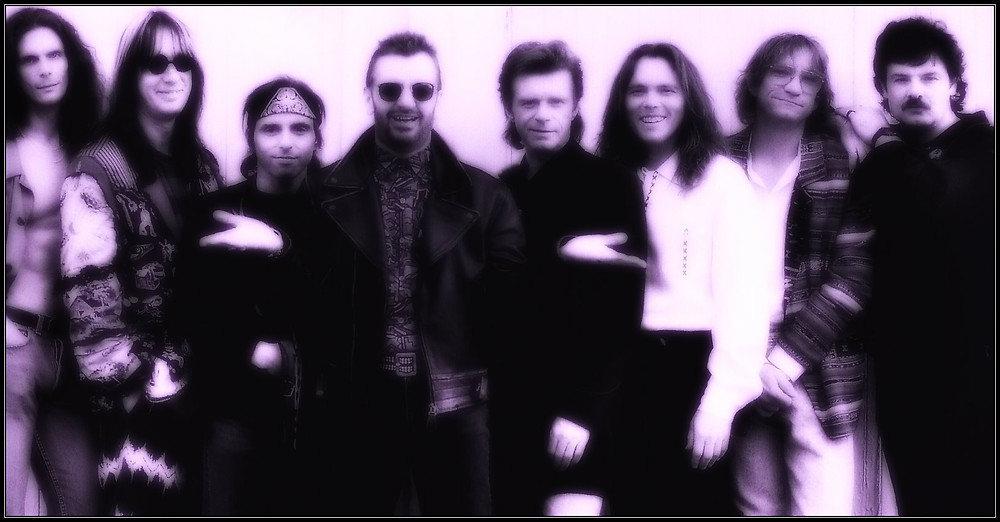 L-R:  Tim Cappello, Todd Rundgren, Nils Lofgren, Ringo, Dave Edmunds, Timothy B. Schmidt, Joe Walsh, Burton Cummings, 1992