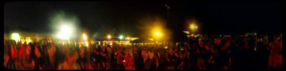 GPGP crowd, courtesy Bill Davis, local artist-photographer