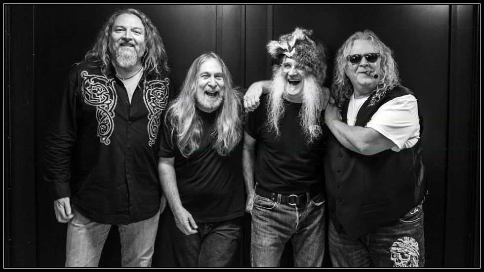 The Kentucky Headhunters.  L-R:  Doug Phelps, Greg Martin, Fred Young, Richard Young